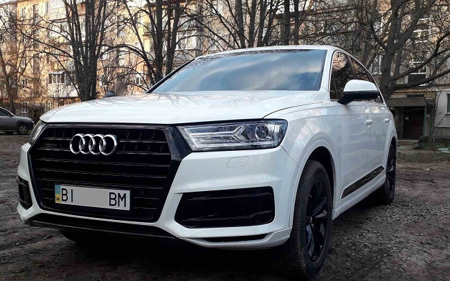 Аренда Audi Q7 New на свадьбу Полтава